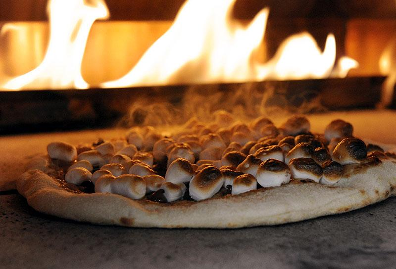 smores pizza kalamazoo pizza oven
