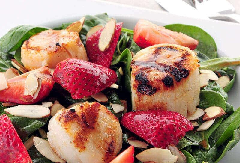 Image of Strawberry and Spinach Salad with Grilled Scallops