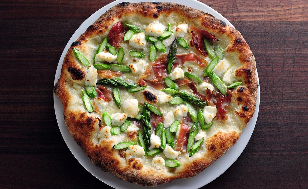 Image of Asparagus and Prosciutto Pizza