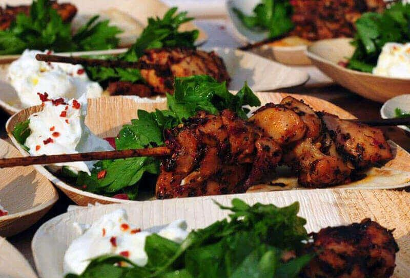 Image of Terbiyeli Küşleme (Mint & Aleppo Pepper Marinated Chicken Kebabs)