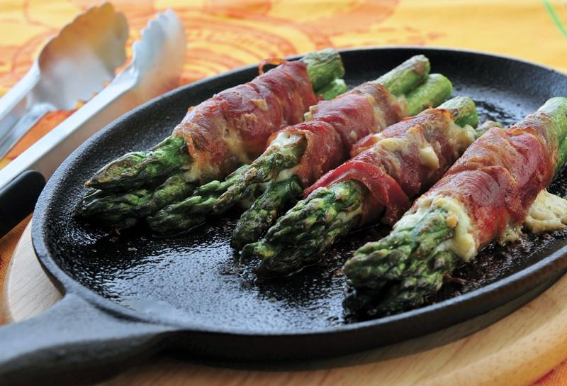 Image of Crispy Speck-wrapped Pizza Oven Asparagus Appetizers