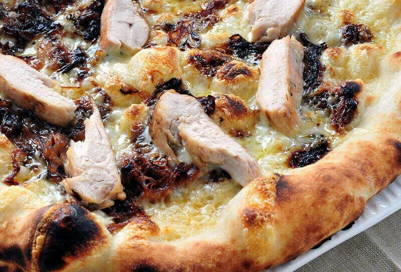 Image of Garlic Chicken Pizza